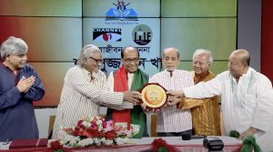 Shamsuzzaman Khan receives the Muktadhhara-Channel I Literary Award at Channel I Studio in Dhaka 2017